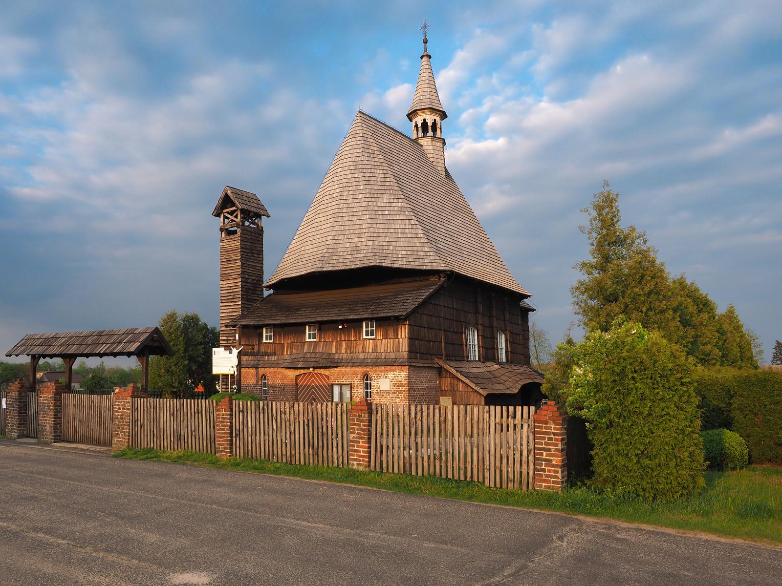 2. Kolanowice - kościół św. Barbary.jpeg