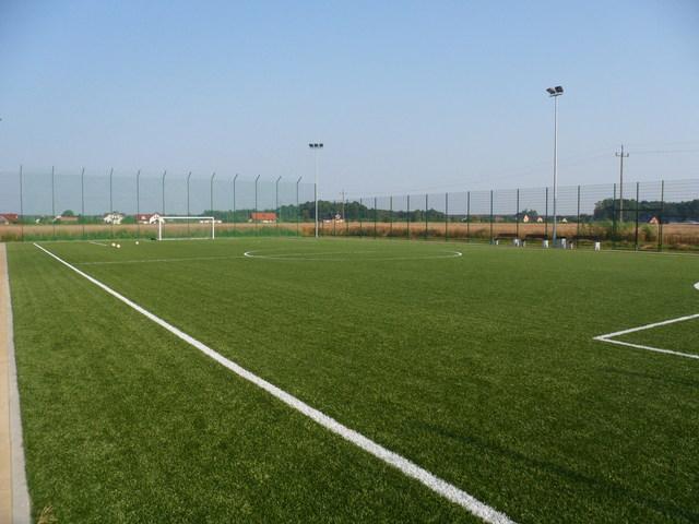 Kompleks boisk sportowych Orlik 2012 w miejscowości Łubniany.jpeg