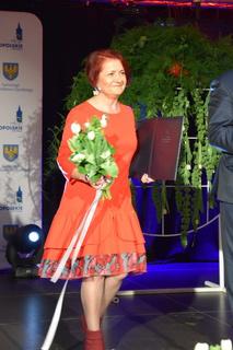 Pani Begińska po wręczeniu Odznaki