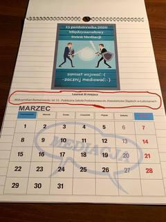 Strona z kalendarza złożonego z nagrodzonych prac