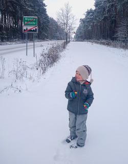 Dziecko na ścieżce pieszo-rowerowej Brynica-Opole