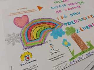 Kartka przedszkolaka z Łubnian z kolorowymi rysunkami